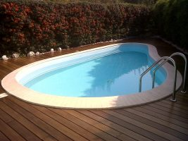 Bordo piscina in parquet